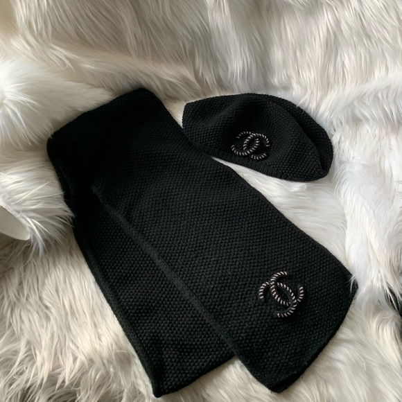 0a1a48804a7 Chanel cashmere CC beret hat and scarf set
